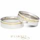 Modelo: AG1303 / AG1303-1 Largura: 6 mm Espessura: 2,4 mm Material:Prata 950 Acabamento externo: Másc: Reta, polida, com friso lateral e filete de ouro | Fem: Reta, polida, com friso lateral, filete de ouro e pedra de zircônia cravada Acabamento interno:Anatômica Descrição: Aliança de compromisso ou namoro, exclusiva, produzida em prata com cravação de pedra de zircônia, friso lateral e filete de ouro. IMPORTANTE: A prata é um metal nobre! Demanda alguns cuidados relacionados ao uso, como característica do material, tende a oxidar quando exposto a alguns produtos químicos e índices elevados de ácido úrico.